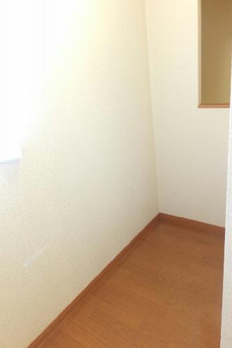 レオパレス新里 212号室の収納