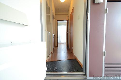 レオパレスKアンドS 206号室の玄関
