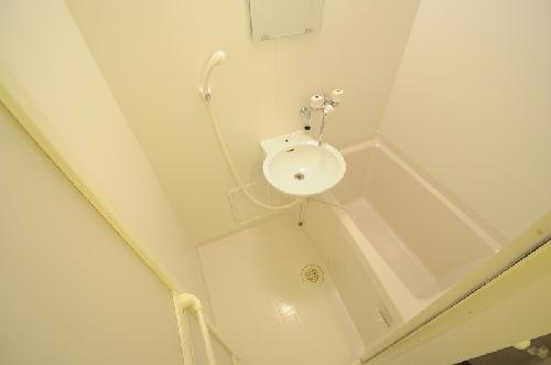 レオパレス栄光 204号室の風呂