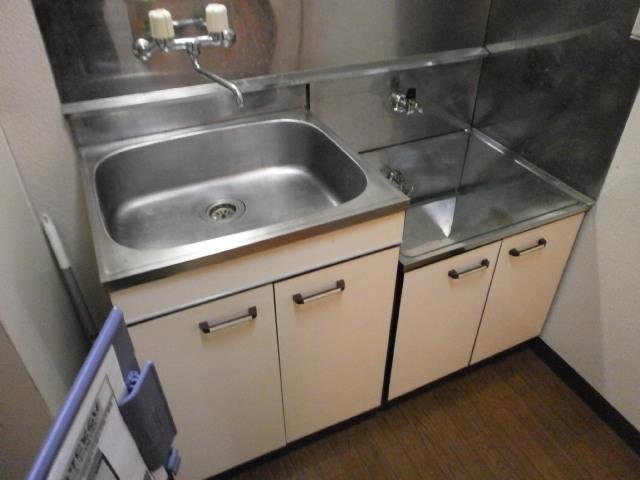 アーバンレジデンス 301号室のキッチン