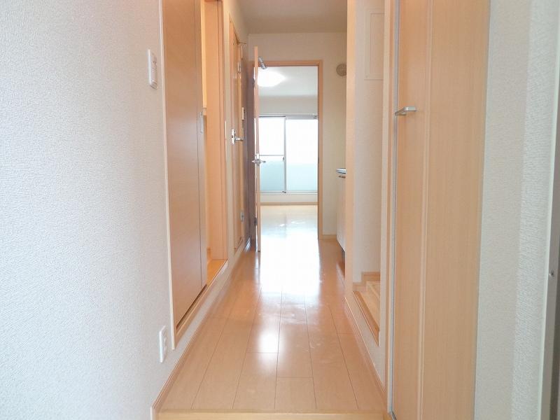 メゾンドシャンテール 02030号室の玄関