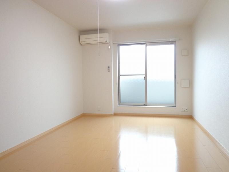 メゾンドシャンテール 02030号室のリビング
