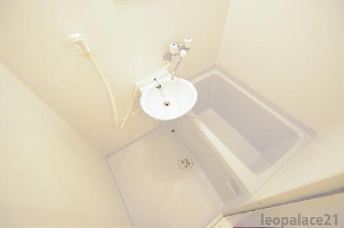 レオパレスKアンドS 201号室の風呂