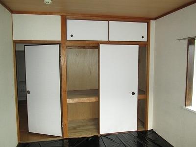 リバ-ハイツ 02010号室のリビング