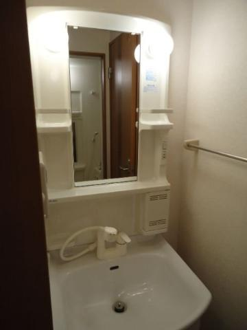 モアクレスト 105号室の洗面所