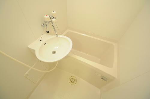 レオパレスHM 206号室の風呂