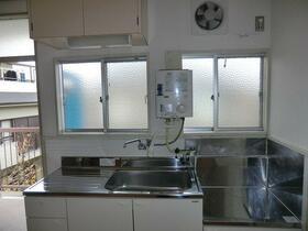 東江ハイツB棟 203号室のキッチン