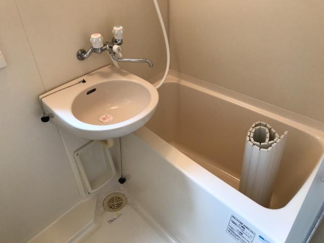 フォレストヴィラ 201号室の風呂