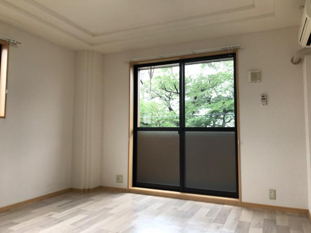 サンコート桜 101号室のリビング