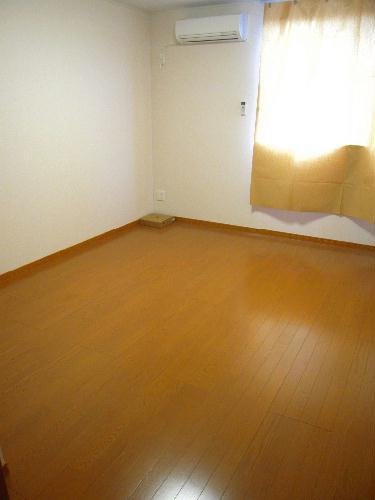 レオパレスプレズィール 101号室のリビング