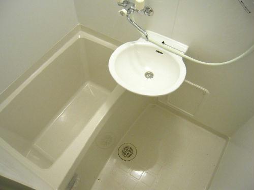 レオパレスプレズィール 101号室の風呂