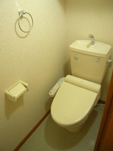 レオパレスプレズィール 101号室のトイレ
