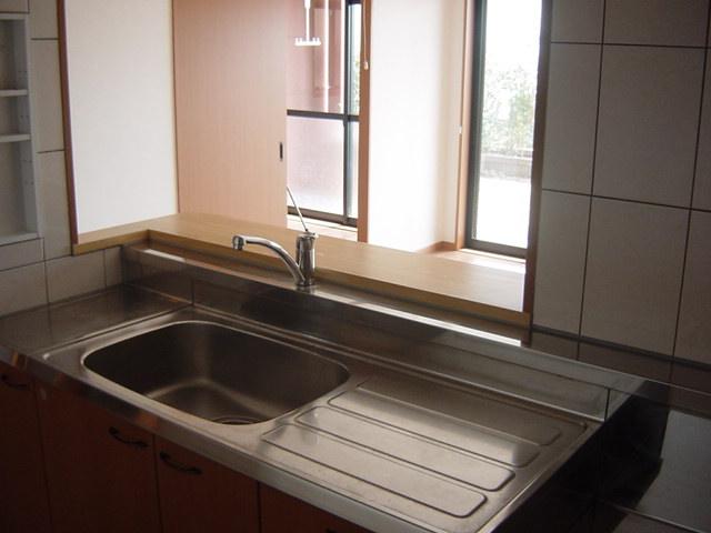 グリーンヒルズC 105号室のキッチン