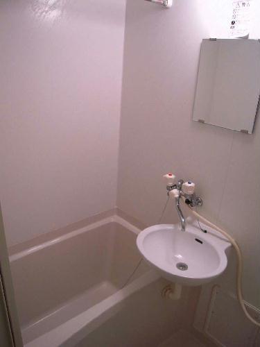 レオパレスグローリア 109号室の風呂