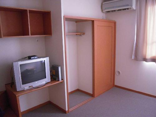 レオパレスエスポワール 205号室の収納