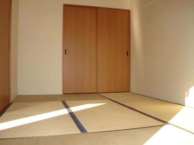 グランディール星の宮 201号室の居室
