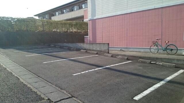 シェーネ ホフ Ι 01030号室の駐車場