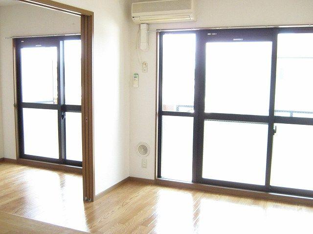 ラ・コモード 03030号室のリビング