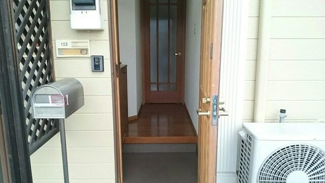 プレミアージュA 01030号室の玄関