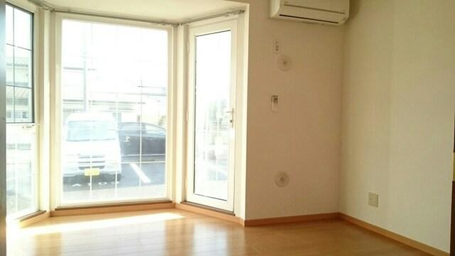 プレミアージュA 01030号室のリビング
