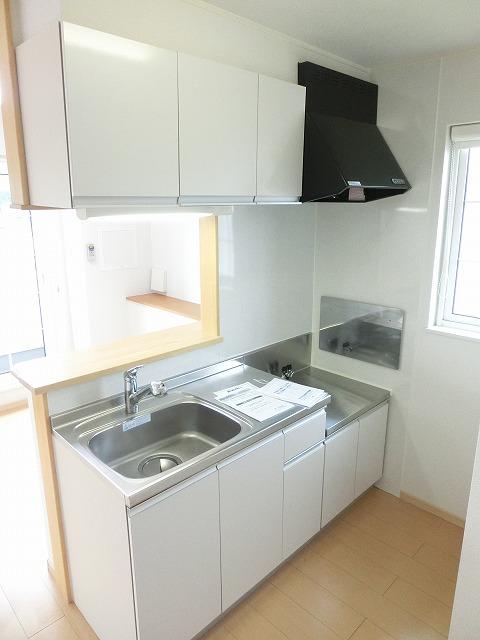 メゾン・ハピネ 02010号室のキッチン