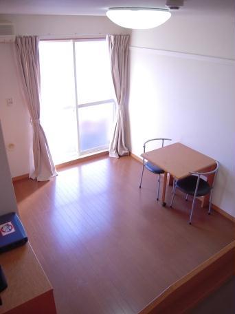 レオパレスキノーレ 101号室のベッドルーム