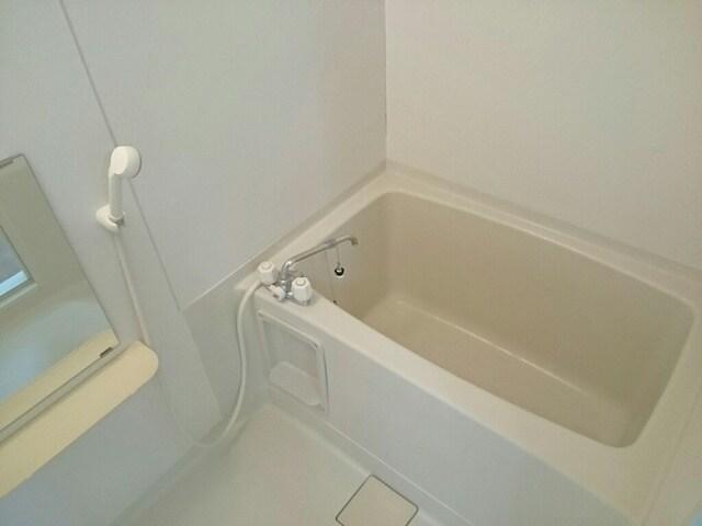 ヘスティア21 01010号室の駐車場