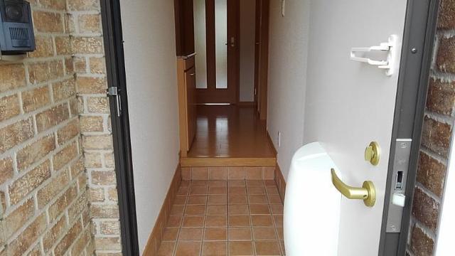ポルト・エスポワ-ル 01020号室の玄関