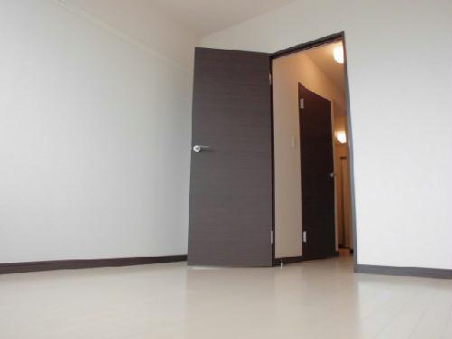 レオネクストミレーユ 109号室のベッドルーム