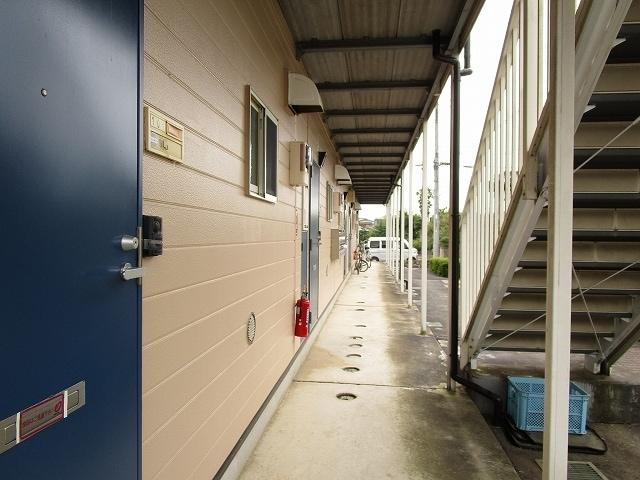 プリティハウスA 02040号室のエントランス