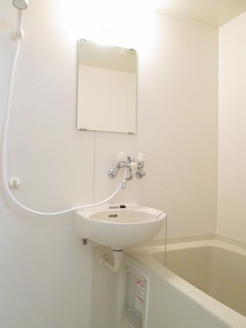 プリティハウスA 02040号室の風呂