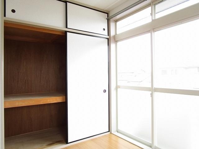 プリティハウスA 02040号室の収納