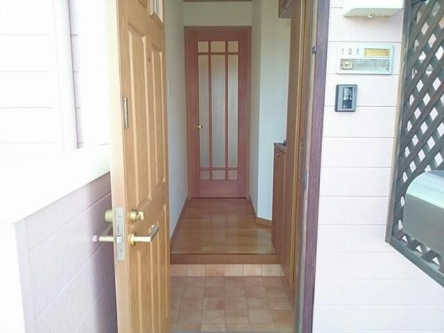 ルミエールB 01010号室の洗面所