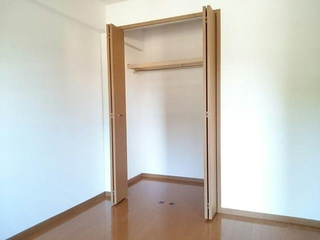 カイラス・ドルフ 01040号室の収納