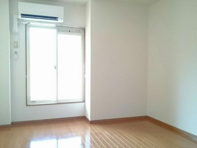 カイラス・ドルフ 01040号室の居室