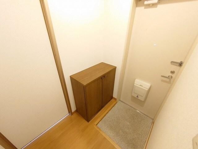リバーカーム 02010号室の玄関