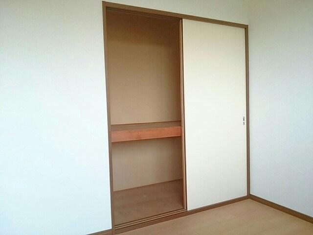 グレースフル 02020号室の収納