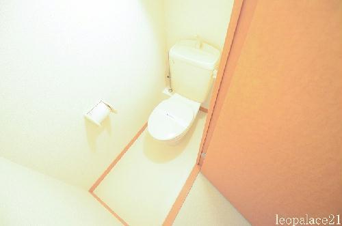 レオパレスマロンハイム 210号室のトイレ