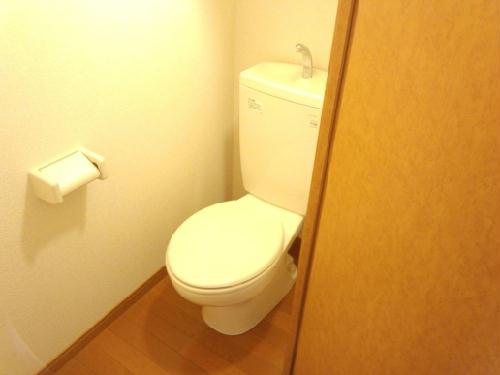 レオパレスHARU B 101号室のトイレ