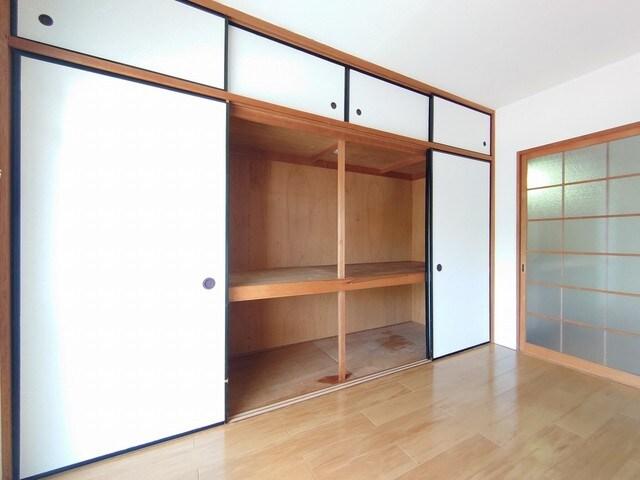 レジデンス海野 03030号室の収納
