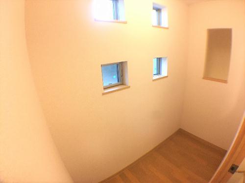 レオネクストサーフサイド海誠 202号室の収納