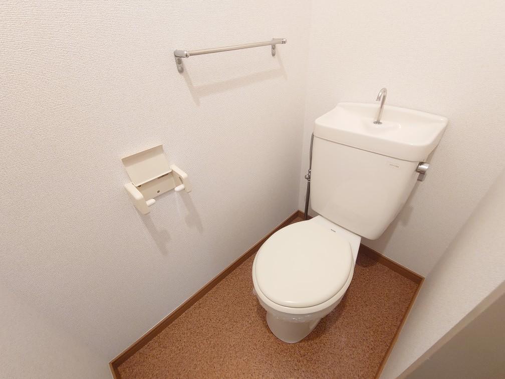 ニューシティヒルズ 01050号室のトイレ