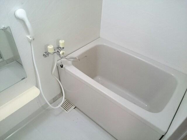 さくらんぼハイツ 01030号室の風呂