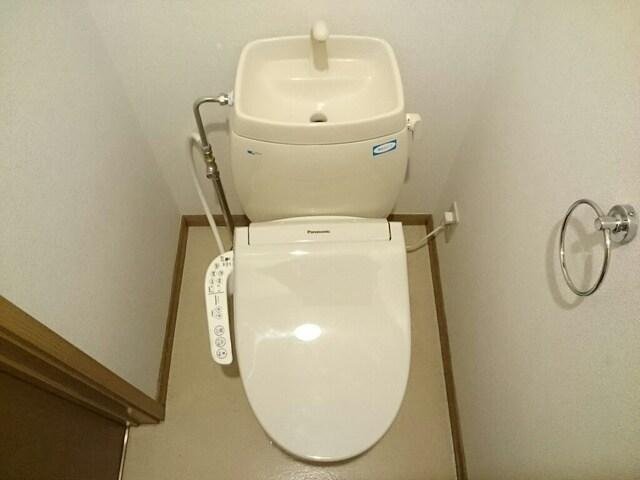 さくらんぼハイツ 01030号室のトイレ