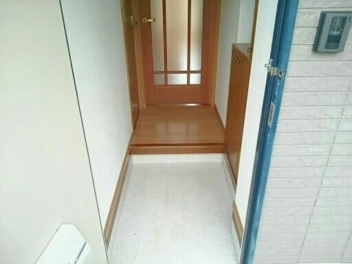 さくらんぼハイツ 01030号室の玄関