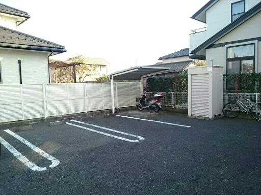 シルフィ 01010号室の駐車場