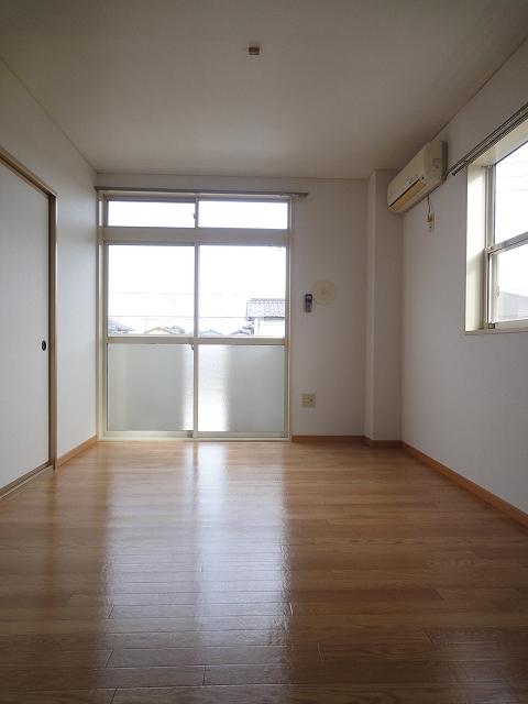 ファンタジアⅠ 02040号室のリビング