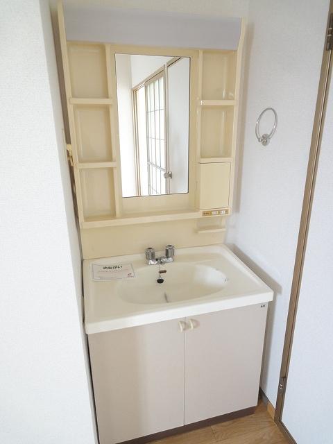 ファンタジアⅠ 02040号室の洗面所