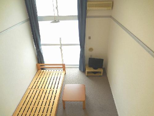 レオパレスCasaAvenue Ⅲ 208号室のリビング