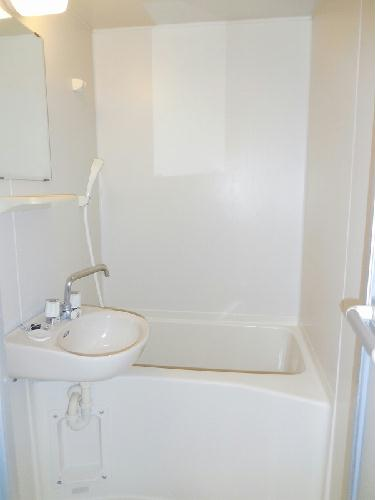 レオパレスCasaAvenue Ⅲ 208号室の風呂
